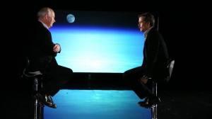 Chris Hadfield en entrevue avec Peter Mansbridge, CBC. Source : Facebook Chris Hadfield